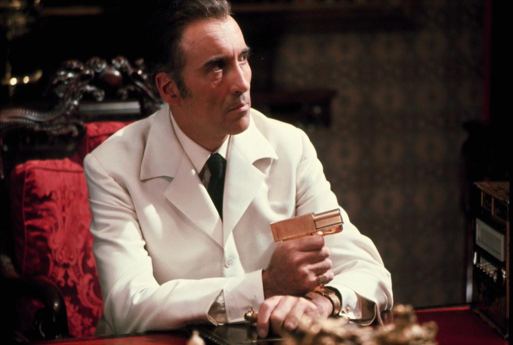"""15629003168 aa7a38966a b - """"007 Contra o Homem Com a Pistola de Ouro"""", de Guy Hamilton, no TELECINE"""