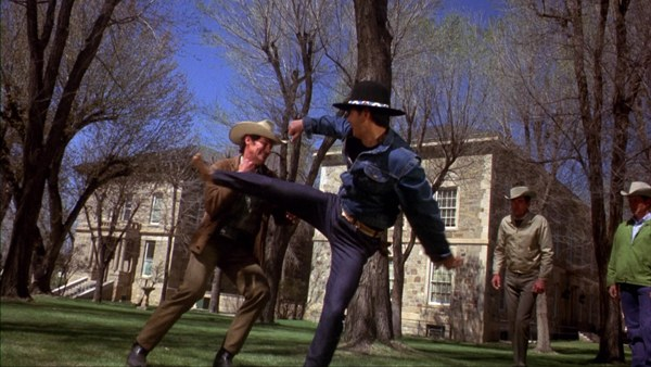 "4x - Kung-Fu Fighting: ""Os 5 Venenos de Shaolin"" e ""Billy Jack"""