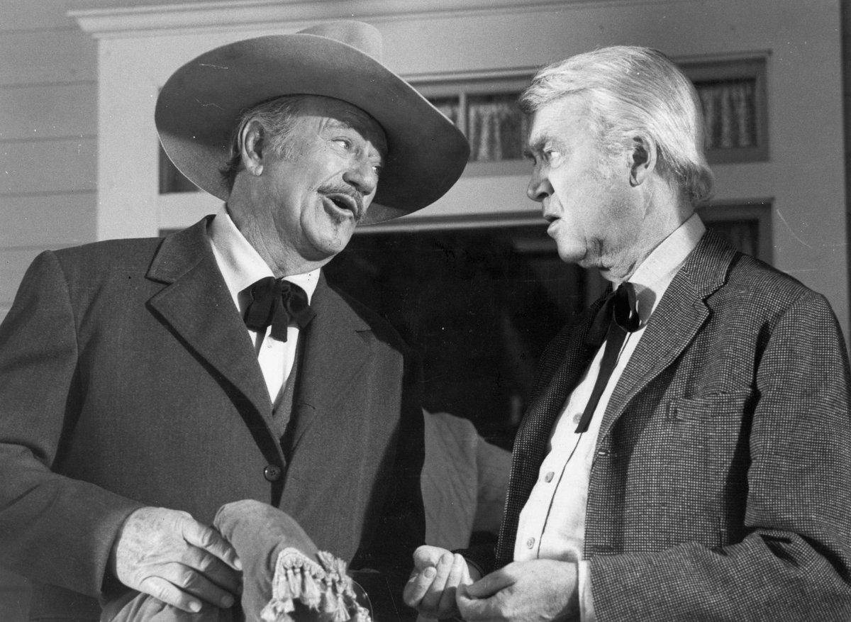 """DhmZIyzXkAUM3rC - """"O Último Pistoleiro"""", de Don Siegel, a despedida de John Wayne, na AMAZON PRIME"""