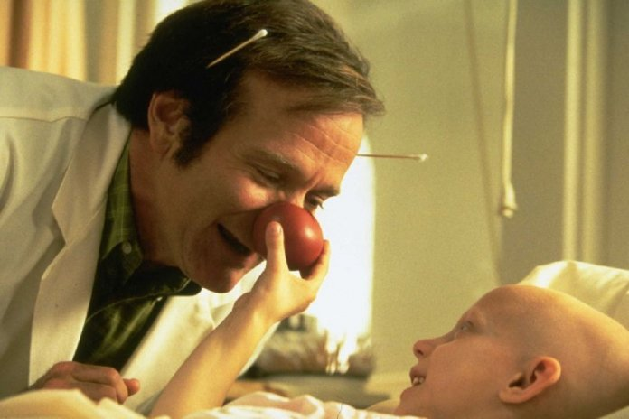 Patch Adams O Amor é Contagioso O Poder Curador Do Riso