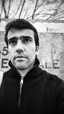 "Fernando Berlim - Entrevista com Fernando Brito, curador da distribuidora ""Versátil"""