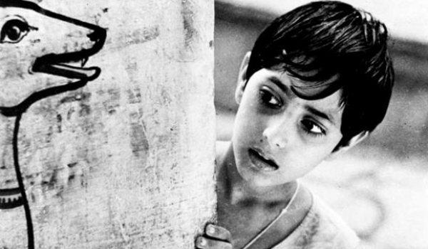 03adoor2 - A Trilogia de Apu, de Satyajit Ray