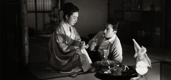 """uwasa no onna still - O Cinema de Mizoguchi - """"Elegia de Osaka"""", """"Crisântemos Tardios"""", """"Os Músicos de Gion"""", """"O Intendente Sansho"""", """"A Mulher Infame"""" e """"Rua da Vergonha"""""""