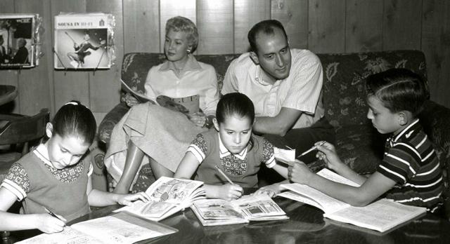 theman family main image28640x34829 - Entrevista com a cantora Monica Mancini, filha do compositor Henry Mancini