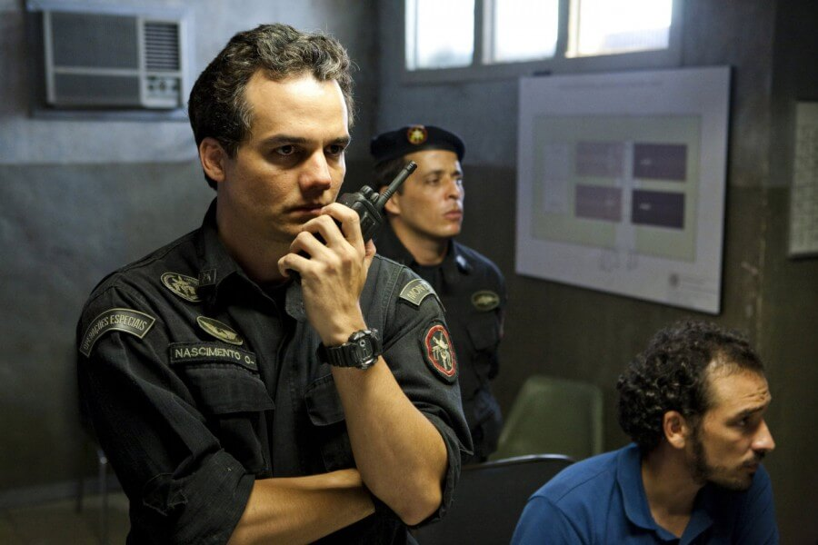 Tropa de elite 2 o inimigo agora é outro 900x600 - TOP - 25 Melhores Filmes Brasileiros de Todos os Tempos