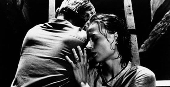 através do espelho 560x287 - 20 filmes que todo apaixonado por PSICOLOGIA precisa ver!
