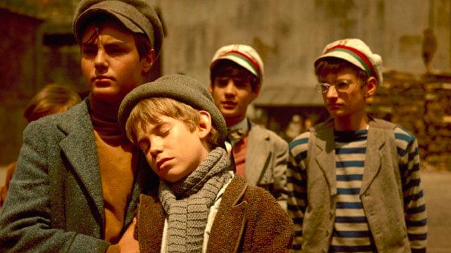 pal sokagi 640x360 - 14 filmes sobre o período mágico e turbulento da infância
