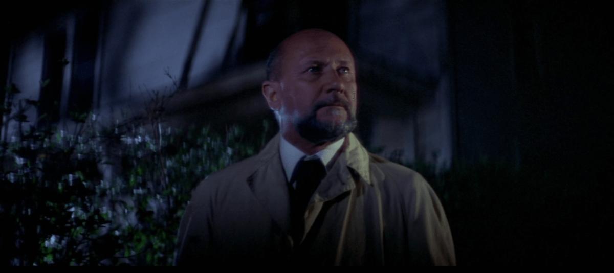 "Loomis in front of Myers house - ""Halloween - A Noite do Terror"" (1978), de John Carpenter"