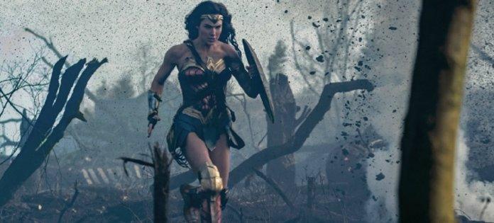 Wonder Woman No Mans Land28640x290291 696x315 - Todos os filmes do Universo Estendido DC, do Pior ao Melhor