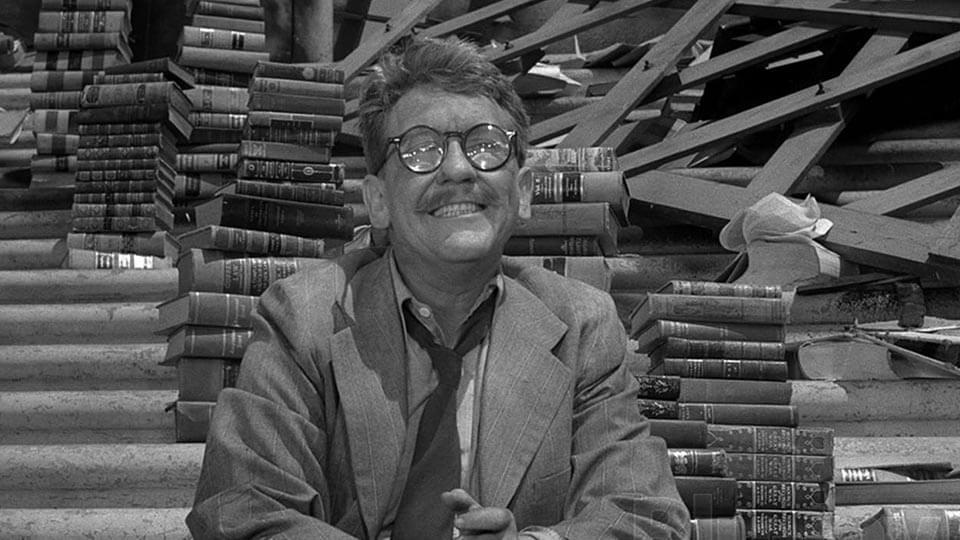 """twilight zone time enough at last 01 - Os 30 melhores episódios da clássica série """"Além da Imaginação"""" (1959-1964)"""