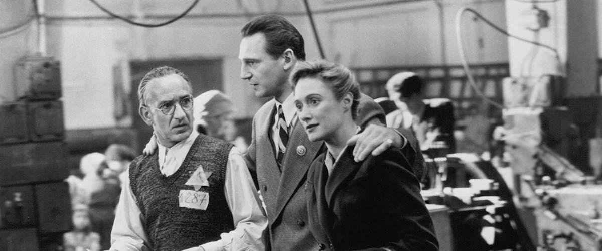 "schindlers list image - ""A Lista de Schindler"", de Steven Spielberg"