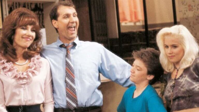 "dads gallery 9 2011 a l - Crítica nostálgica da hilária série ""Married... With Children"" (1986-1997)"