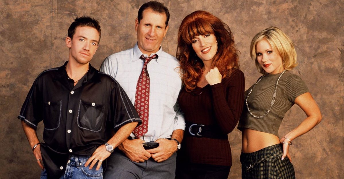 "eine schrecklich nette familie scaled - Crítica nostálgica da hilária série ""Married... With Children"" (1986-1997)"