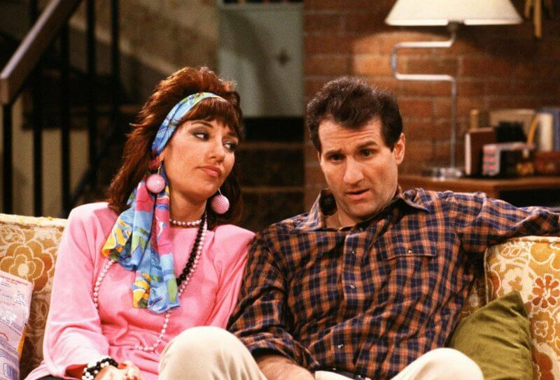 "married with children married with children 30474101 800 544 - Crítica nostálgica da hilária série ""Married... With Children"" (1986-1997)"