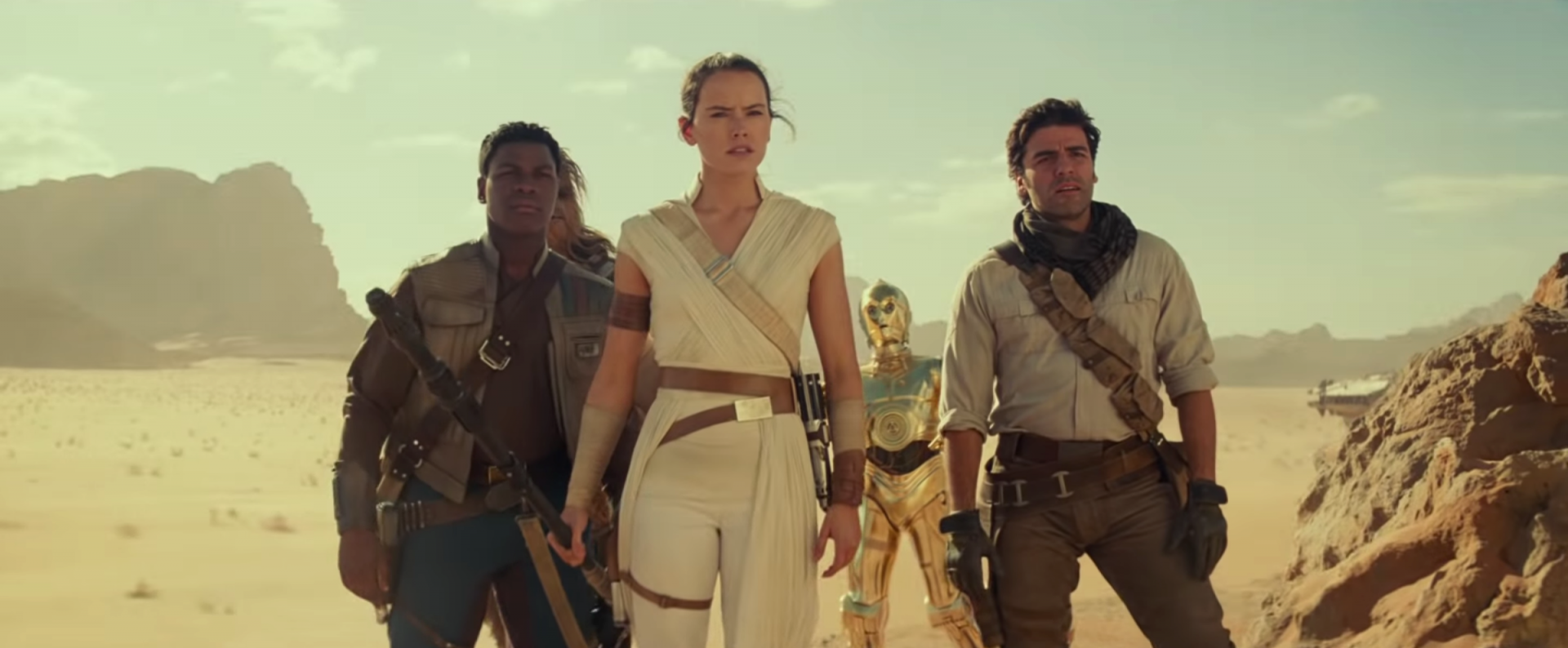 "rise of skywalker finn rey poe desert - Crítica de ""Star Wars - A Ascensão Skywalker"", de J.J. Abrams"