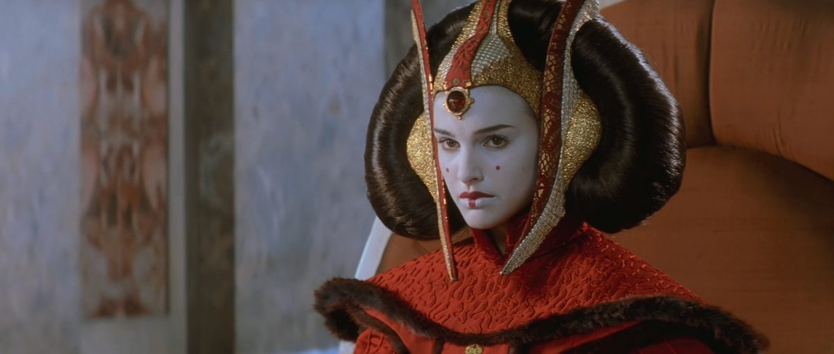 "natalie portman as queen padme amidala in scaled - ""Star Wars: Episódio I – A Ameaça Fantasma"", de George Lucas"